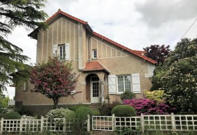 Maison caractère st pierre montlimart - 10 pièce (s) - 236 m²