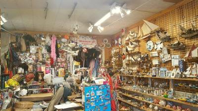 Boutique sur le quai du Tréport avec réserve bon emplacement bon