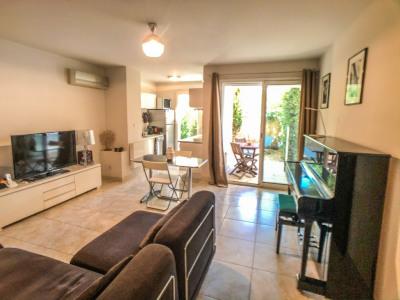 Appartement à Nîmes - Tour Magne avec 2 jardinets