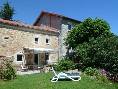 40 mn de St Étienne Très belle maison rénovée sise sur 1790m