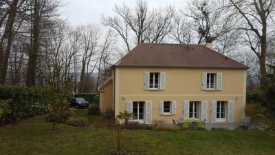 Belle demeure 6 pièces 173 m² + dépendances 80 m² - terrain 1.21