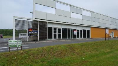 LOCAUX PROFESSIONNELS COSNE COURS SUR LOIRE - 401.2 m2