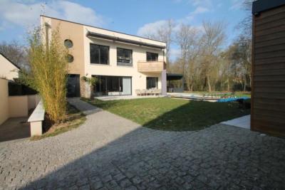 Maison contemporaine bois le roi - 6 pièce (s) - 239 m²