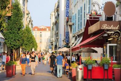 FOR SALE Cannes au coeur de la rue Hoche Cannes