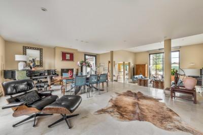 Crepieux villa 330 m² + dépendance 90m² sur 1700 m²