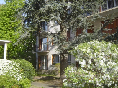 Livry-gargan limite le raincy 2 pièces balcon