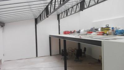 Loft/atelier/surface 8 pièces