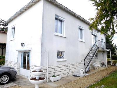 House / villa 7 rooms Limitrophe de Cognac