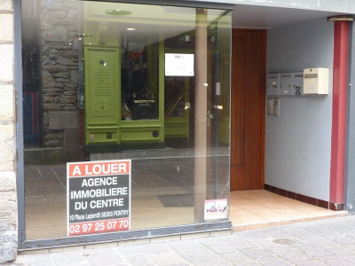 Local commercial 50 m² en centre ville PONTIVY loyer 550 euros