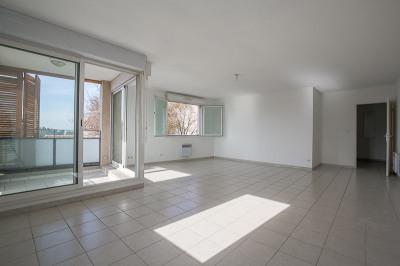 Appartement T4 avec Box centre Bouc Bel Air 78 m²