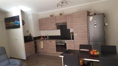 Sale apartment Trets 224000€ - Picture 2