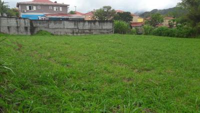 Terrain 816 m²