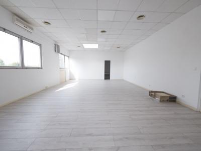 Bureaux de 83 m² lumineux et en bon état