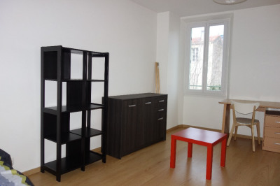 Grand studio / T1 - toulon - 1 pièce (s) - 33.02 m²
