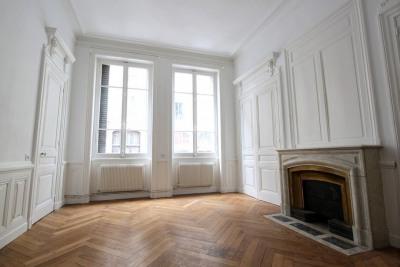 5 rooms - 122 m2 - 69002 LYON