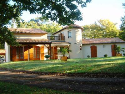 Maison Etaules - 7 Pièce(s) - 235 M2