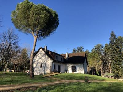 Maison liguge - 7 pièce (s) - 197.5 m²