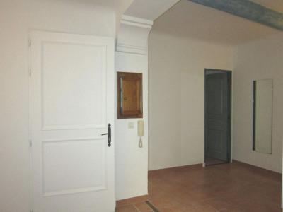 Appartement type 2 avec petite terrasse