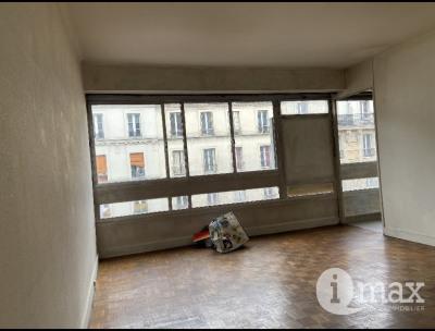 Paris 18ème - Marché Ordener - STUDIO lumineux et bien agencé
