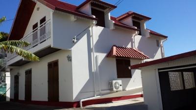 Maison sainte clotilde - 6 pièce (s) - 140 m²