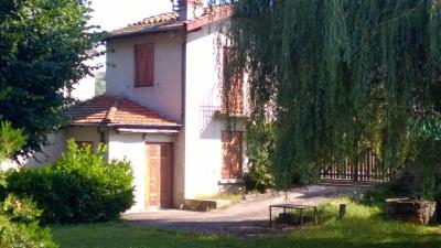 Ancienne maison de vigne avec dépendances et terrain