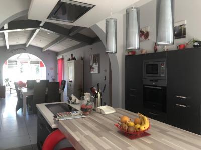 Propriété de 175 m² sur 5 Hectares