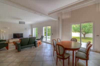 Maison Montesson 8 pièce(s) 273.85 m2