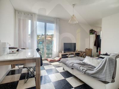 Appartement les pennes mirabeau - 3 pièce (s) - 59 m²