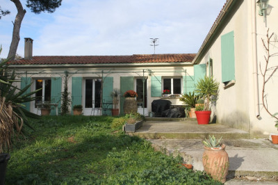 Cabries s/1000 m² villa T5/6 + garage
