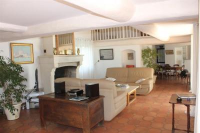 Maison Nimes 7 pièce (s) 230 m²