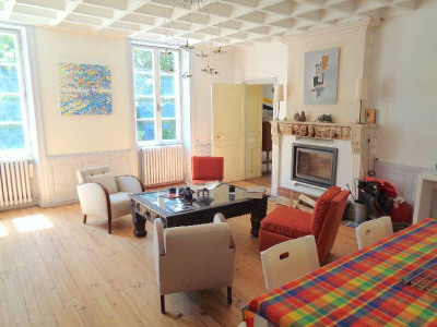 Haus 8 Zimmer Limitrophe de Cognac