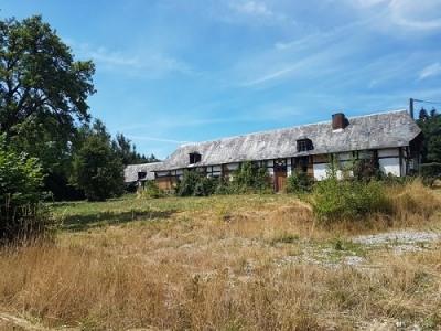 Ensemble immobilier à rénover situé proche d'Aumale