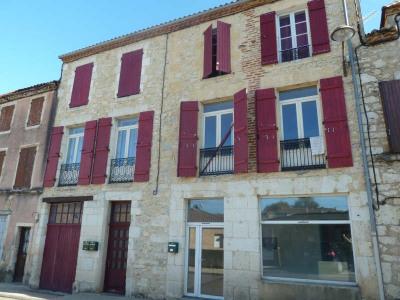 Flatgebouwen  Puy l Eveque