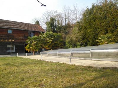 Maison spacieuse avec piscine 8 pièce (s) 370 m²
