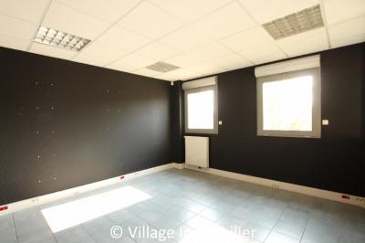 Local commercial Corbas 4 pièce (s) 120 m²