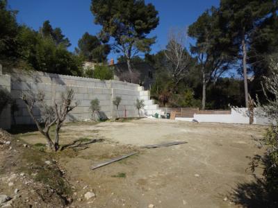 UNIQUE terrain constructible Villeneuve les Avignon