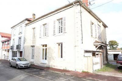 Maison de maître sur Pouillon + T2 + T3 avec garage