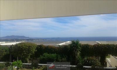 Bandol vue mer ~appartement T2 lumineux avec terrasse sud