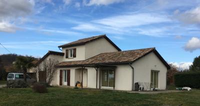 Moissieu / dolon - villa de type 7 de 138 m²