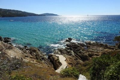 Le Lavandou waterfront property with private beach access