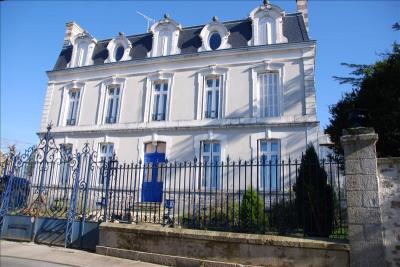 Maison de maître parthenay - 20 pièce (s) - 530 m²