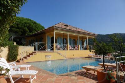 Villa à vendre proche plage avec vue mer et piscine