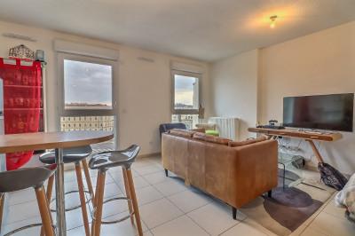 Appartement Nimes 1 pièce (s) 37 m²