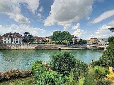MELUN avec Vue et Jardin sur la Seine et 2 garages
