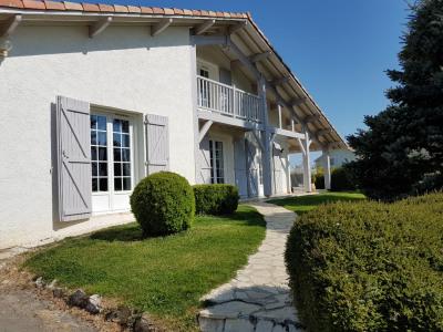 Maison Aire Sur L Adour 6 pièce (s) 165 m²