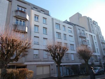 Bel Appartement F3 de 69 M à GAGNY (RER. E)