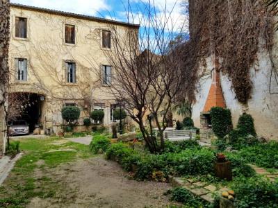 Grande maison vigneronne 405 m² avec jardins et dépendances