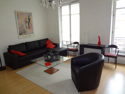 Rental Apartment Paris George V - 65m2