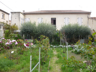 Maison - Grézan avec jardins et garage