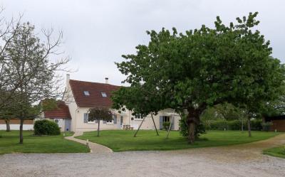 Propriété comprenant habitation entièrement rénovée
